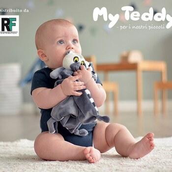 🧒🏻 I giocattoli per i bambini, sono il tentativo più semplice di comprendere il mondo 😀🧸Gli splendidi lemuri My Teddy 🇩🇰 sono soffici, morbidi e facili da maneggiare e abbracciare...una splendida realtà per tutti i bambini 🤗 👉 Siamo distributori esclusivi per l'Italia 🇮🇹Visualizza subito il catalogo, presente tra le novità del nostro sito link in bio 👆 #myteddybear #myteddy @myteddydk #peluche #peluches #greatingcard greetingcard #greatingcard #greatingcard #rfdistribution #distribution